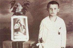 Karol Wojtyła podczas I komunii świętej