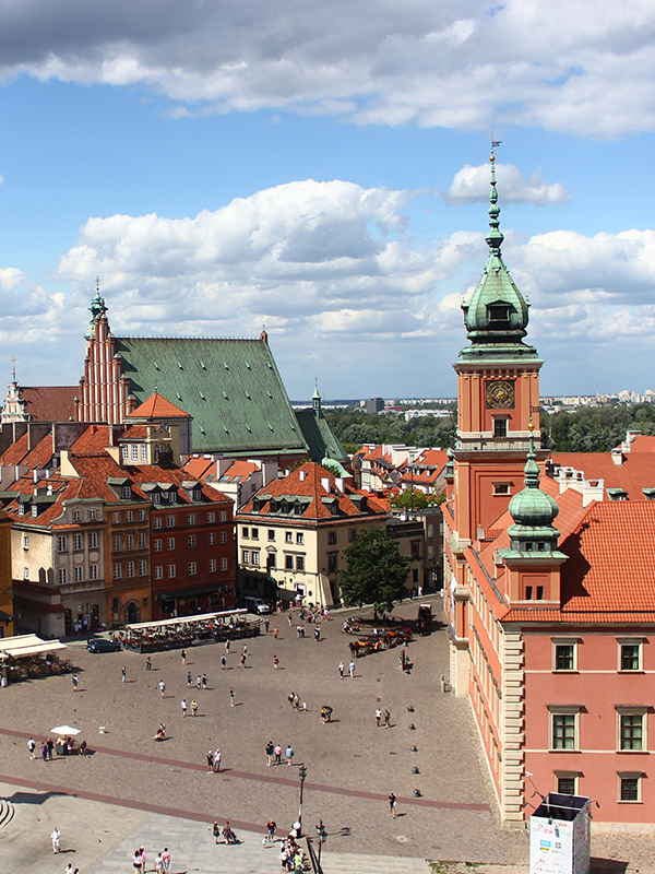 Plac Zamkowy w Warszawie z Zamkiem Królewskim i Kolumną Zygmunta