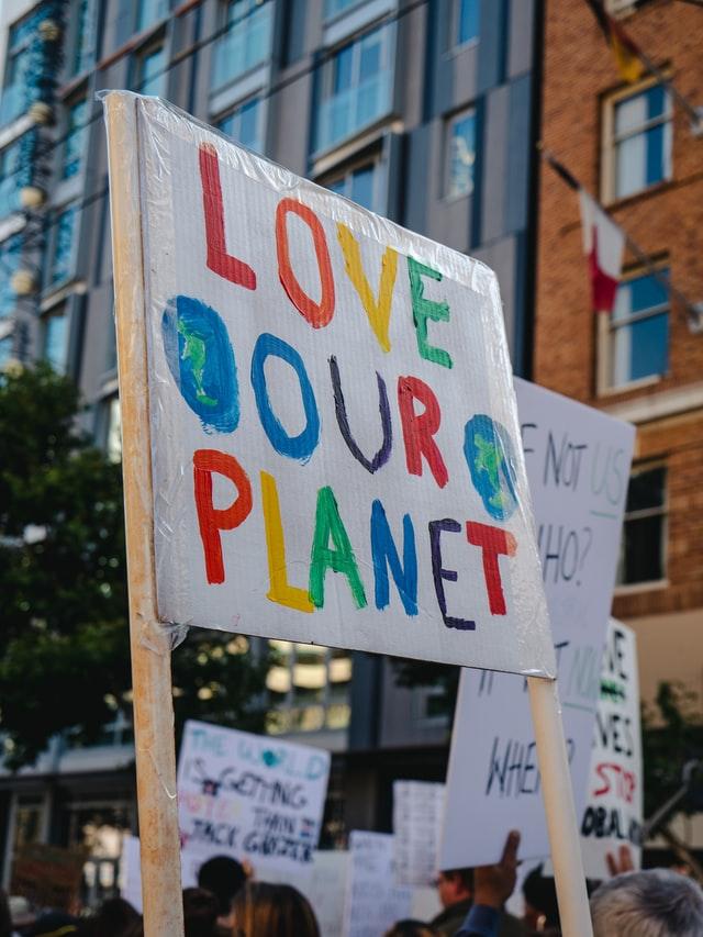 napis po angielsku lov our planet, transparent, manifestacja